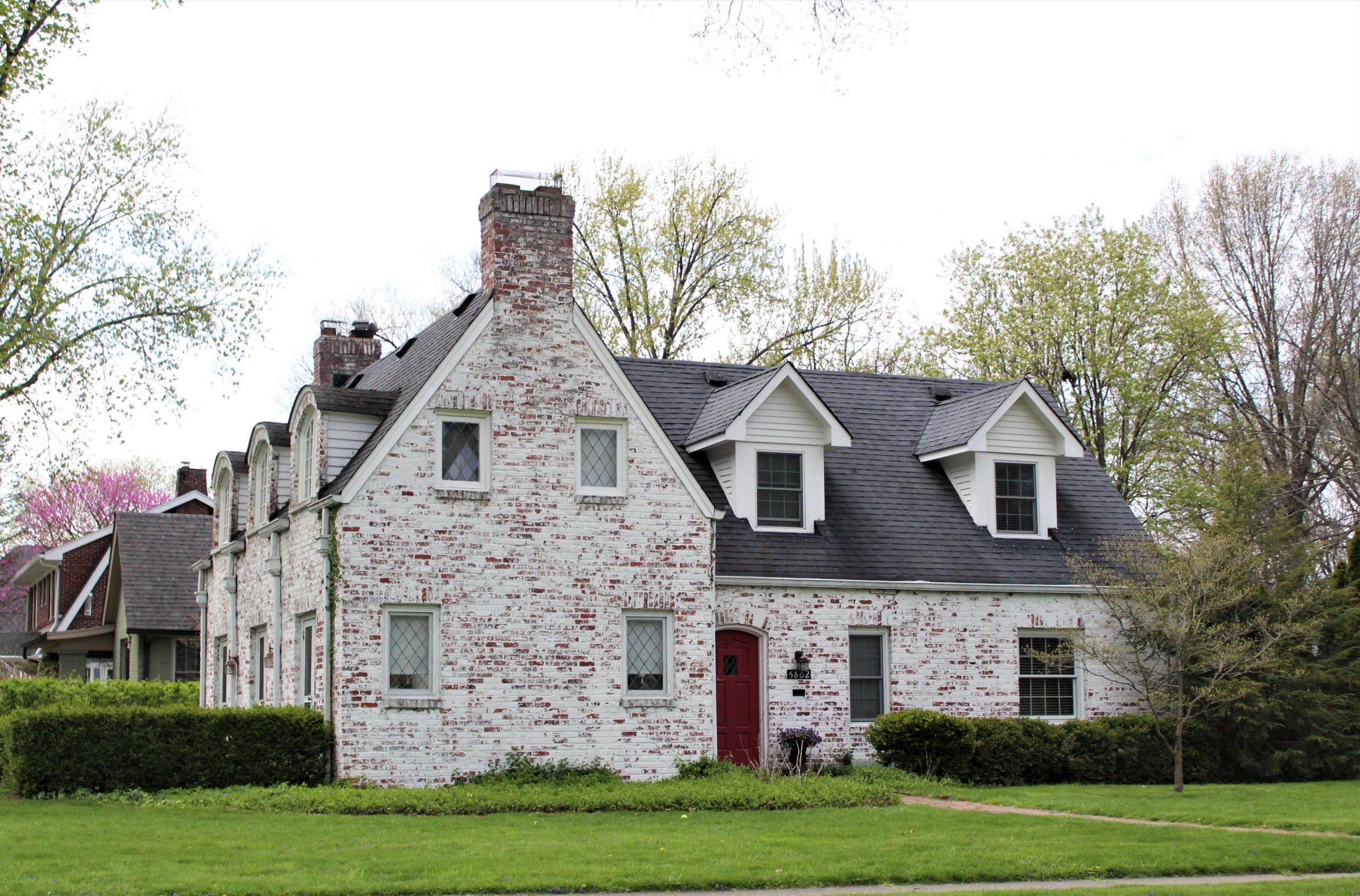 Merridian-Kessler - White Brick Home